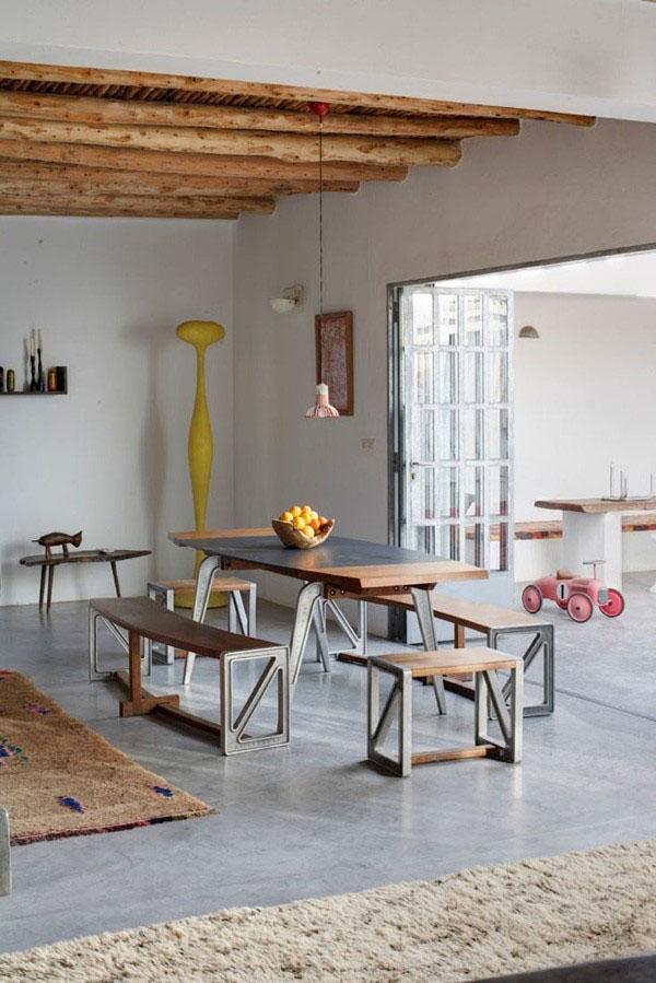 Odsłonięte Drewniane Belki Stropowe Jako Dekoracja Wnętrza